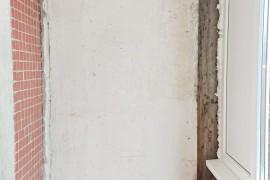 Бетонная стена на лоджии