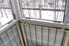 Установили сайдинг и окна