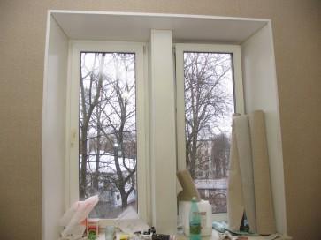 Монтаж уголка по периметру окна