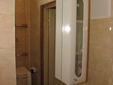 Шкафчик с полочками для ванной