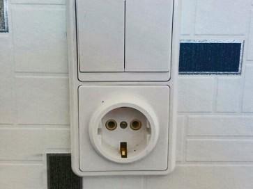 Замена розеток и выключателя
