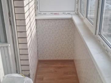 Частичная обшивка панелями балкона